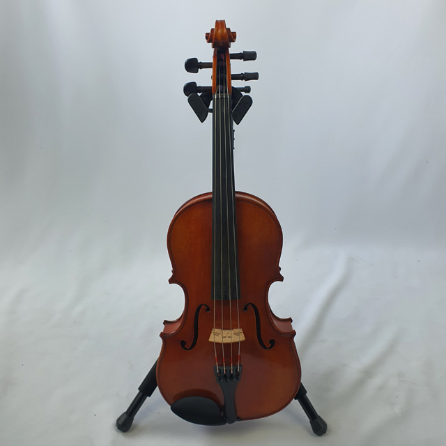 Used Chamber Student 200 Viola 14.5 inch - Includes case and bow